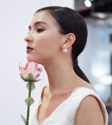 泰国女孩怎么扎头发 李海娜生活妆发型告诉你