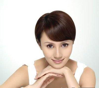 三个女人一台戏 袁泉马伊�P吴越短发很时尚