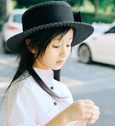 撞脸金智媛仙气值完爆刘亦菲 8岁小仙女裴佳欣示范最潮女童发型