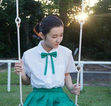 王俊凯张子枫化身日系少男少女超养眼 张子枫学院风发型清新甜美