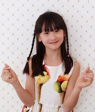 九岁女孩梳什么发型 田亮女儿森蝶最爱编发公主头