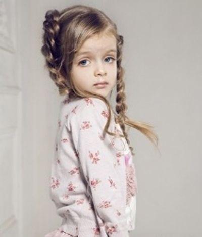 小女孩怎样编头发最漂亮 中分还能怎么编头发