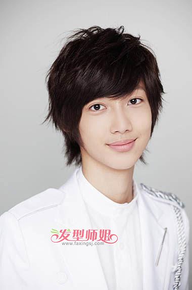 中学生斜刘海发型图片 男生发型斜刘海怎样剪才柔顺