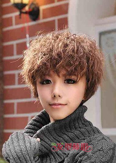 中短玉米须发型_2015年女生小卷发型 短发小卷发型图片(3)_发型师姐