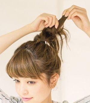 怎么弄荷包头步骤 韩式荷包头的梳发图解
