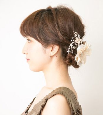 方形脸适合中分吗_方形脸如何自己盘发适合中分方脸的韩国盘发步骤(7)_发型师姐
