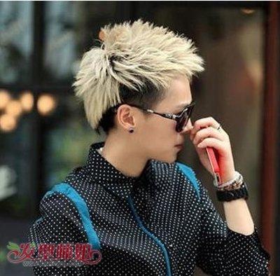 男生染白色头发发型 男生染白发时尚发型图片