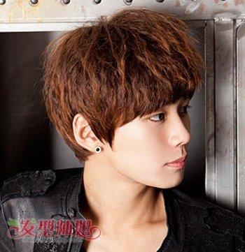 韩版男生烫头发发型图片 男生玉米烫发型设计