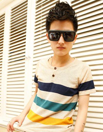 14岁男生齐刘海发型 14岁男孩公鸡头发型图片图片
