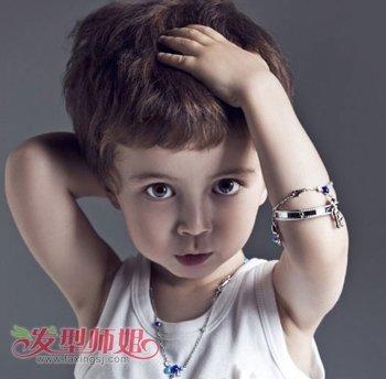 儿童蘑菇头发型 小男孩蘑菇发型图片