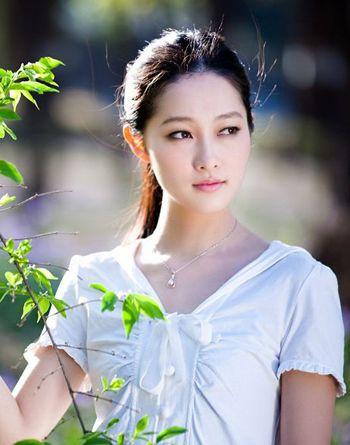 椭圆脸型适合的刘海_圆脸好看的马尾发型扎法 圆脸无刘海马尾发型设计(2)_发型师姐