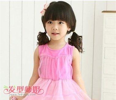 女宝宝的蘑菇头长长了怎么扎辫子 小孩长蘑菇头扎发发型图片