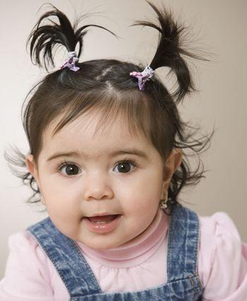 女孩短发扎小辫_小女孩蘑菇头怎么编辫子好看 小孩蘑菇头怎么梳辫子发型(2)_发型 ...