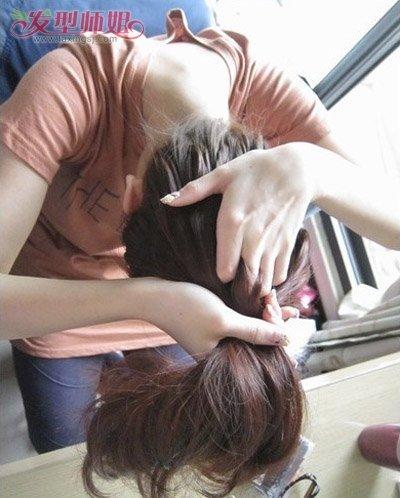 怎样能扎好看丸子头发型 如何扎蓬松丸子头