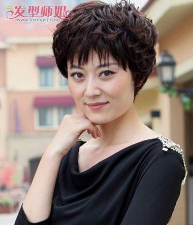 中年妇女小卷烫_中年人烫小卷什么发型 中年人烫满头小卷好看吗_发型师姐