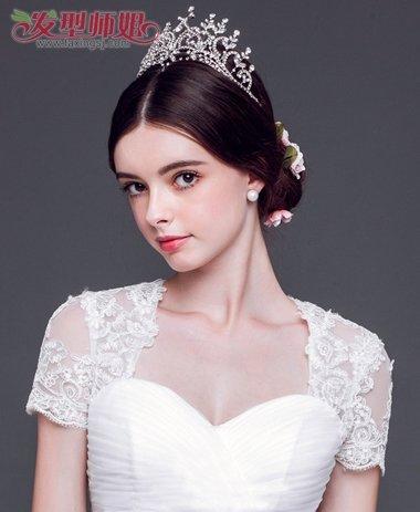 上镜脸比较胖的人适合什么款式的新娘盘发