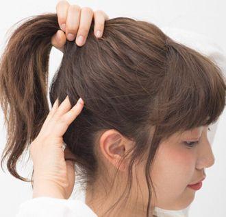 女生好看发型扎法_黑色头发怎么扎丸子头好看图片 初中女生丸子头的扎法_发型师姐