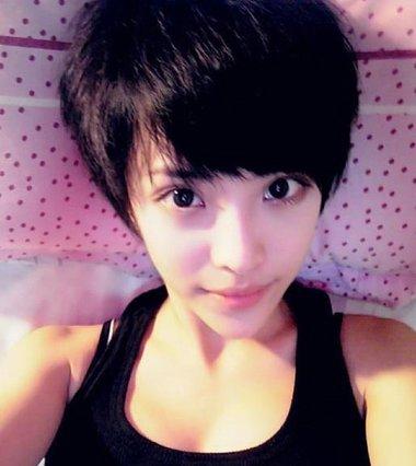 斜刘海沙宣发型_初中生短发学生头 流行头型初中女孩短发(4)_发型师姐