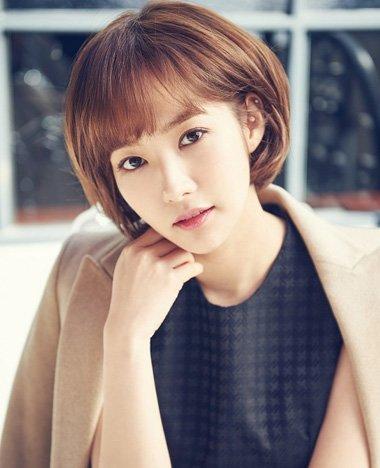 韩版中短发烫发发型_韩国卷发短发图片 韩国女星短卷发(2)_发型师姐