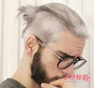 男生深灰亚麻色发型图片 男生灰色系染发发型