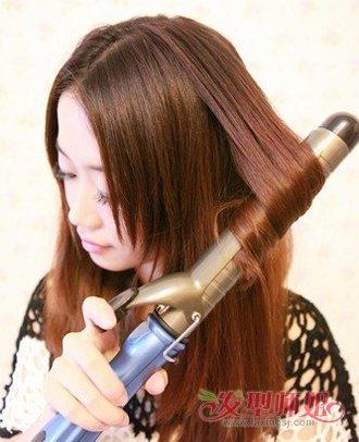 怎样用卷发棒卷头发_怎样用卷发棒自己烫头发 烫过的头发吹风机如何吹出卷发_发型师姐