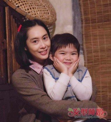朱茵新剧扮农妇似蒋雯丽 那个时代的发型居然也有卷