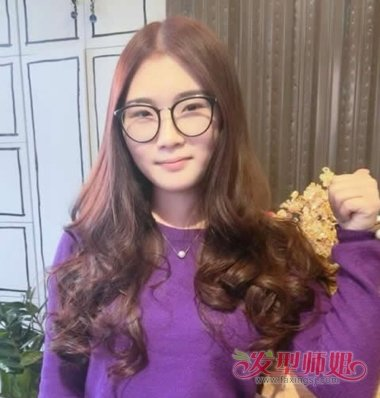 中分适合戴眼镜吗_中分发型配什么眼镜好看 戴眼镜女生的中分发型(4)_发型师姐