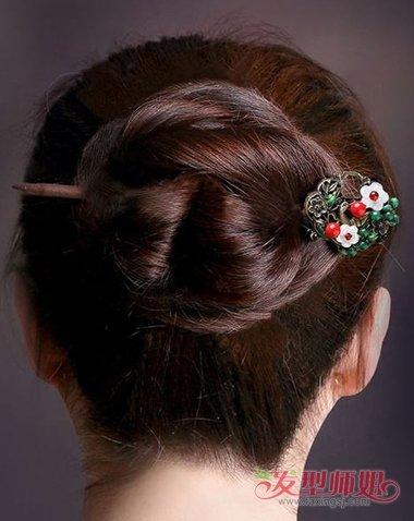 怎么用簪子挽头发图解 用发簪挽头发的方法