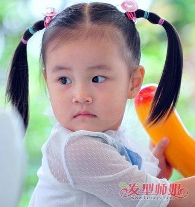 怎么做出两边对称的发型 女宝宝扎对称辫子发型