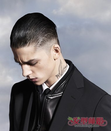 男士发型两边推掉好不好看 现在男的剪发两边剪掉-轻博客