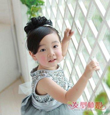 女孩配公主裙的漂亮发型 公主裙该怎么配发型