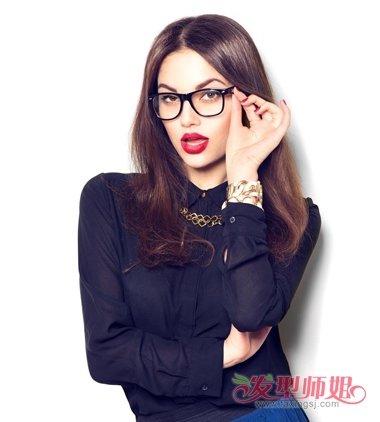 中分适合戴眼镜吗_佩戴眼镜的中分中长发 带着近视镜的女生能剪成中分中长发吗(3 ...