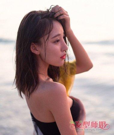 中年女披肩发型图片 适合披肩发的发型