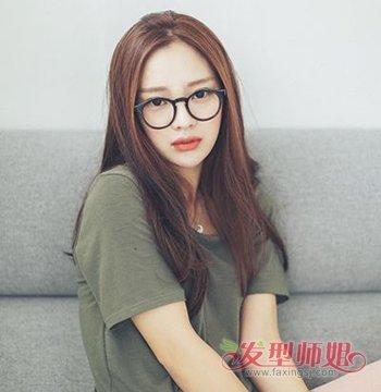 中分适合戴眼镜吗_女生戴眼镜适合中分吗 戴眼镜女生适合的中分发型_发型师姐