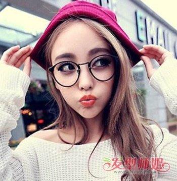 中分适合戴眼镜吗_女生戴眼镜适合中分吗 戴眼镜女生适合的中分发型(3)_发型师姐