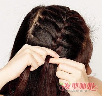 蜈蚣盘发器使用方法_盘发器蝎子辫的使用方法 蝎子辫怎么用盘发器(2)_发型师姐
