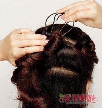 蜈蚣盘发器使用方法_盘发器蝎子辫的使用方法 蝎子辫怎么用盘发器(4)_发型师姐