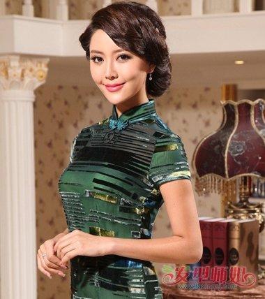 穿旗袍弄什么发型最好看 配旗袍最简单的发型