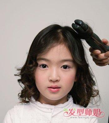4岁小女生扎头发教程 可爱小女孩头发扎法