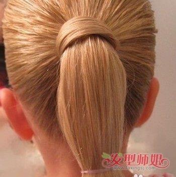 3到4岁小女孩扎头发的方法图解 小女生扎头发的方法