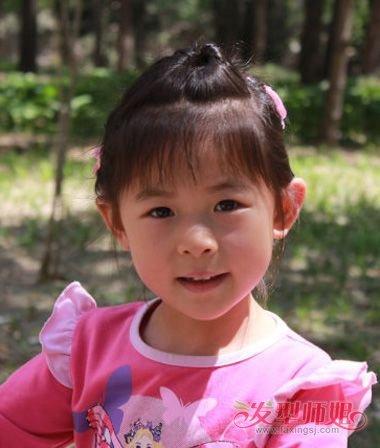 盖盖头发型_女童盖头怎么梳小辫好看 盖住额头扎发_发型师姐
