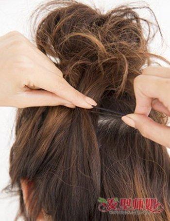 中短发女生半丸子头扎法图解 短发半丸子头教程