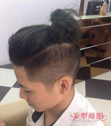 类似吴亦凡菠萝头发型 吴亦凡的菠萝头教程