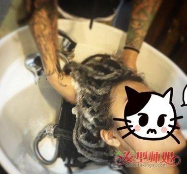 黑人脏辫怎么洗头 脏辫洗头教程