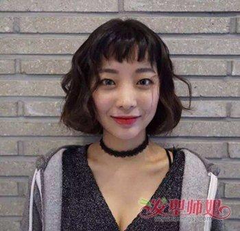 女生复古蛋卷头短发烫发发型 女生中短发蛋卷烫发型图片