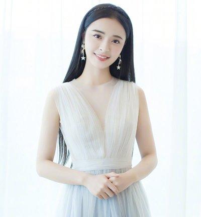 发际线高刘海不是必须 发际线高女生全新无刘海长发发型