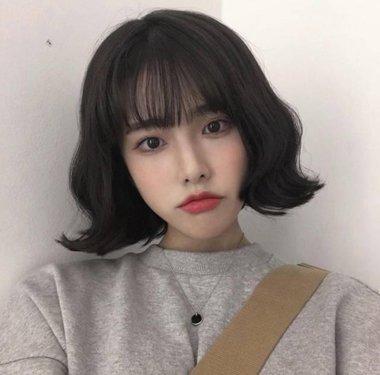外翘短发韩国图片 波浪卷外翘短发