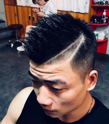 古惑仔刀疤发型 短发侧面刀疤发型