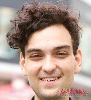 哪种脸型可以做全偏分发型 男生全偏分发型一览