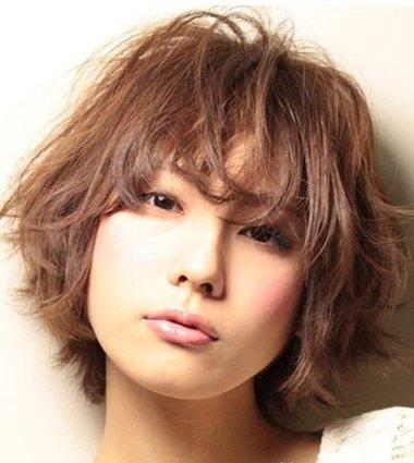 头发自然卷特别细毛躁 头发蓬松毛躁怎么护理